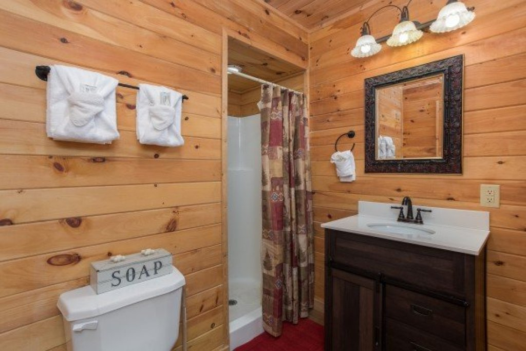 Photo of a Sevierville Cabin named Highland Moose - This is the twelfth photo in the set.