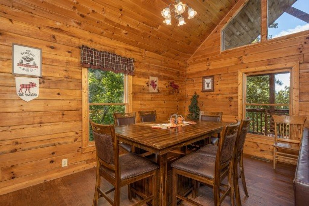 Photo of a Sevierville Cabin named Highland Moose - This is the fourth photo in the set.