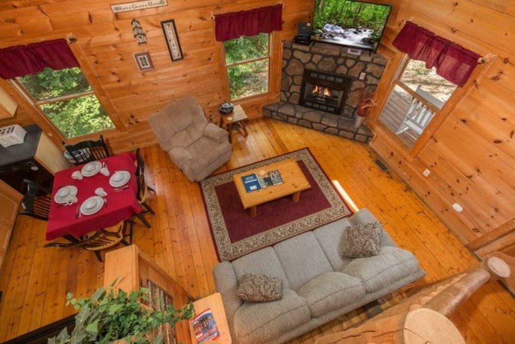 Photo of a Gatlinburg Cabin named Cabin Sweet Cabin - This is the eleventh photo in the set.