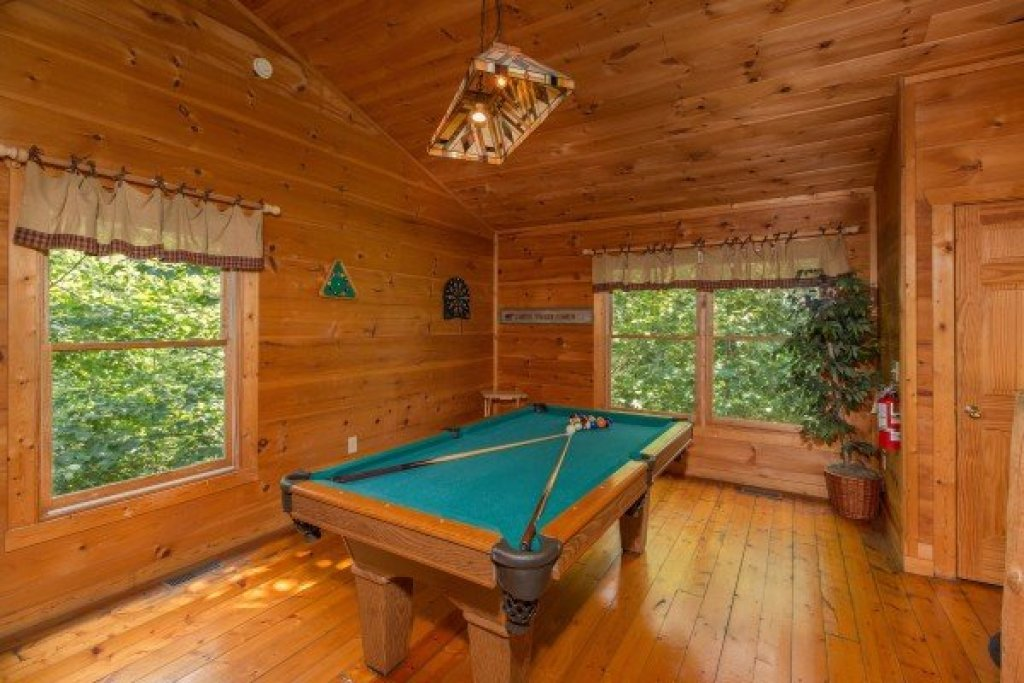 Photo of a Gatlinburg Cabin named Cabin Sweet Cabin - This is the twelfth photo in the set.