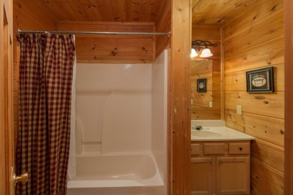 Photo of a Gatlinburg Cabin named Cabin Sweet Cabin - This is the eighth photo in the set.