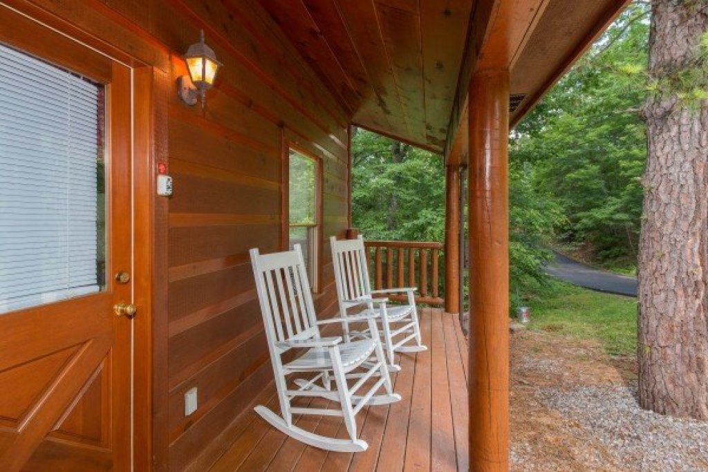 Photo of a Gatlinburg Cabin named Cabin Sweet Cabin - This is the thirteenth photo in the set.