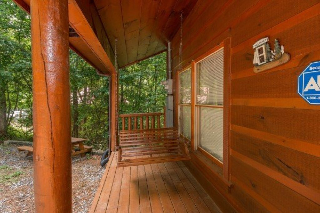 Photo of a Gatlinburg Cabin named Cabin Sweet Cabin - This is the fourteenth photo in the set.
