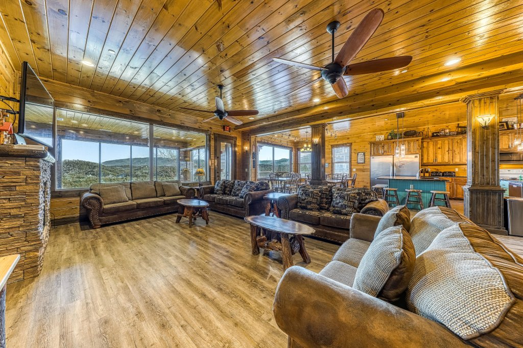 Photo of a Pigeon Forge Cabin named Mountain Splash Lodge - This is the seventh photo in the set.