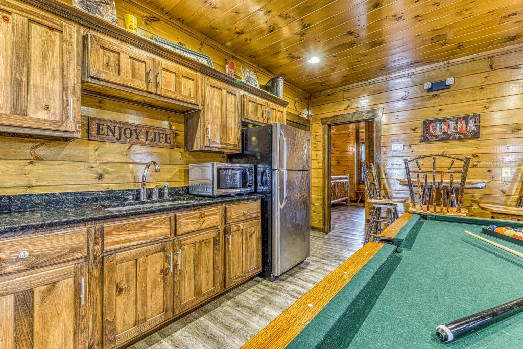 Photo of a Pigeon Forge Cabin named Mountain Splash Lodge - This is the twelfth photo in the set.