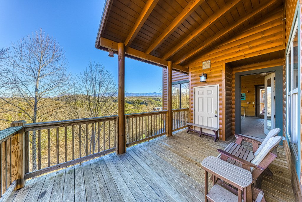 Photo of a Pigeon Forge Cabin named Mountain Splash Lodge - This is the forty-eighth photo in the set.