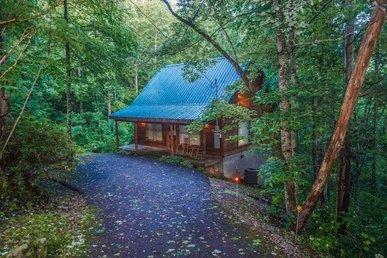 A Pet-friendly, 1 Bedroom, 1 Bath Secluded Mountain Getaway In Gatlinburg.