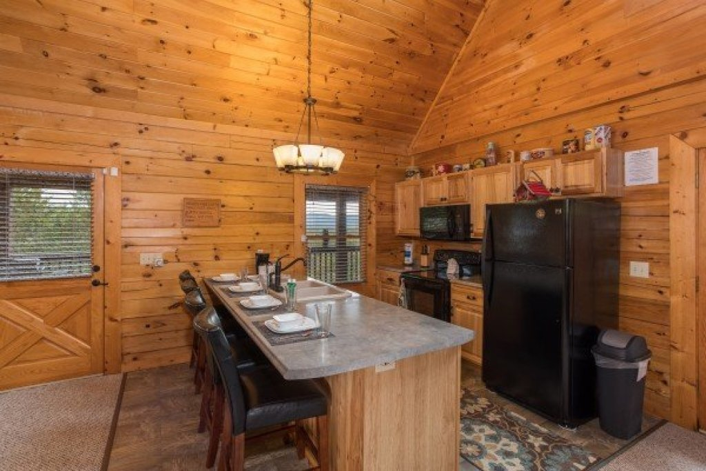 Photo of a Sevierville Cabin named Eagle's Nest - This is the fifth photo in the set.