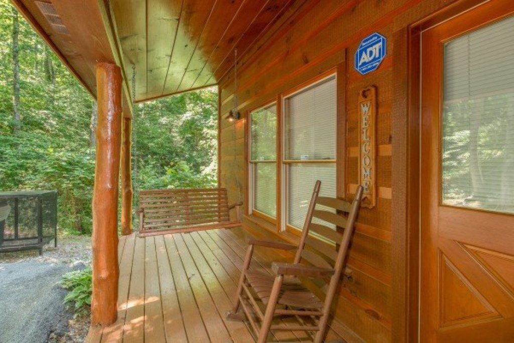 Photo of a Gatlinburg Cabin named Denim Blues - This is the fifteenth photo in the set.