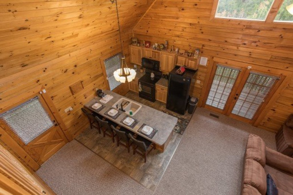 Photo of a Sevierville Cabin named Eagle's Nest - This is the nineteenth photo in the set.