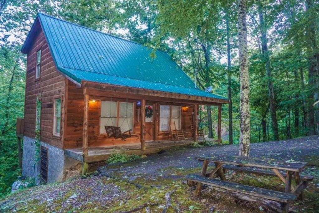 Photo of a Gatlinburg Cabin named Denim Blues - This is the eighteenth photo in the set.