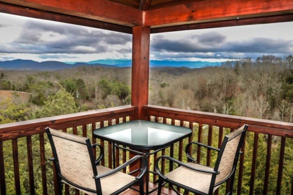 Photo of a Sevierville Cabin named Eagle's Nest - This is the twenty-second photo in the set.