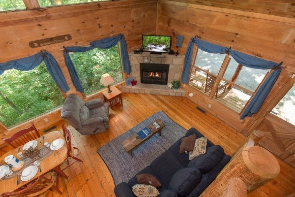Photo of a Gatlinburg Cabin named Denim Blues - This is the thirteenth photo in the set.
