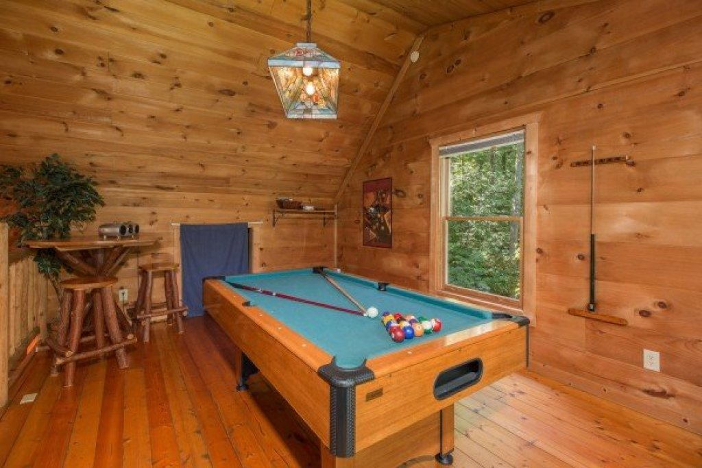 Photo of a Gatlinburg Cabin named Denim Blues - This is the fourteenth photo in the set.