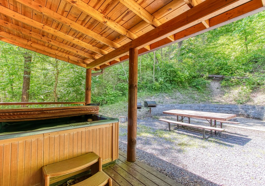 Photo of a Gatlinburg Cabin named Mystical Creek Pool Lodge #600 - This is the sixth photo in the set.