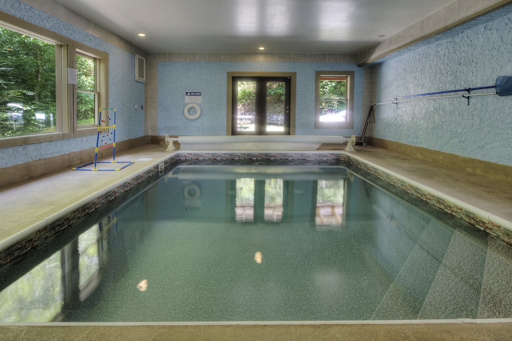 Photo of a Gatlinburg Cabin named Mystical Creek Pool Lodge #600 - This is the seventy-first photo in the set.
