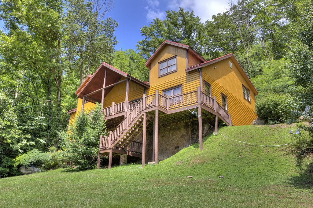 Photo of a Gatlinburg Cabin named Mystical Creek Pool Lodge #600 - This is the fifty-second photo in the set.