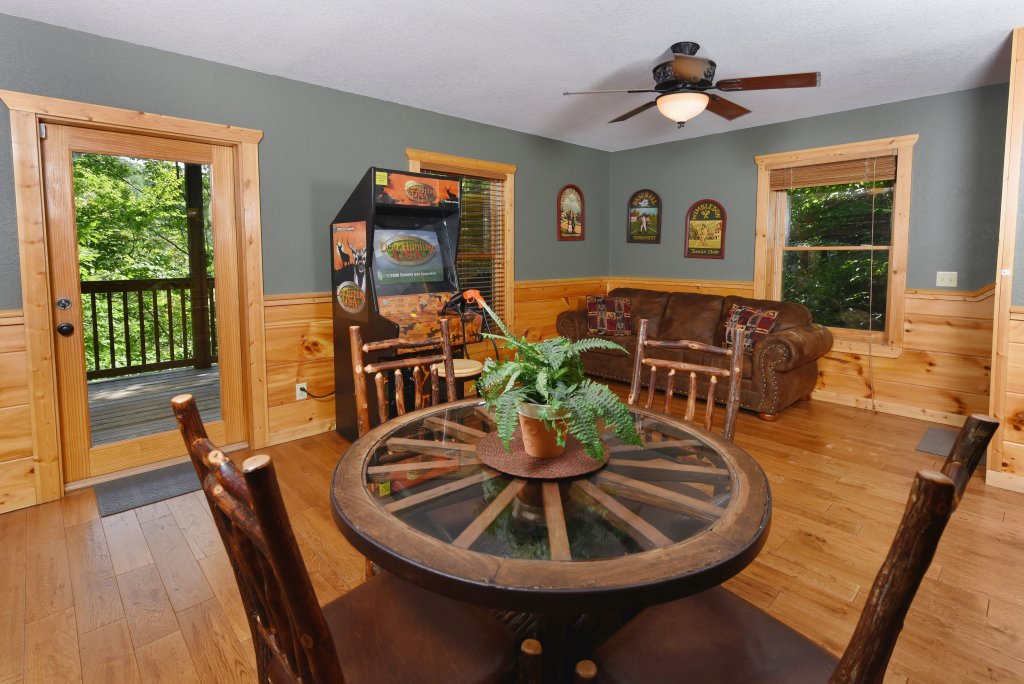Photo of a Pigeon Forge Cabin named Majestic Forest - This is the forty-ninth photo in the set.