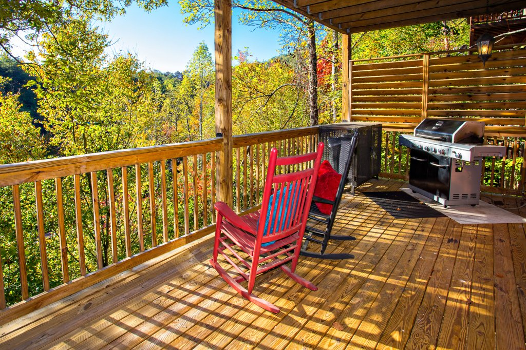 Photo of a Pigeon Forge Cabin named Majestic Forest - This is the fourteenth photo in the set.