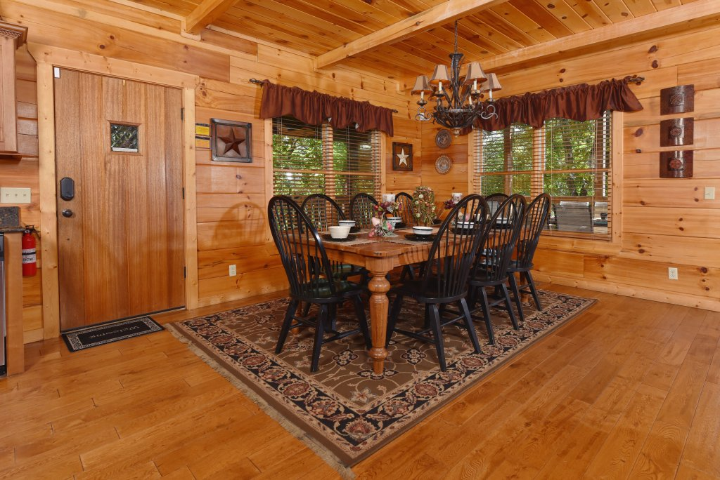 Photo of a Pigeon Forge Cabin named Majestic Forest - This is the seventh photo in the set.