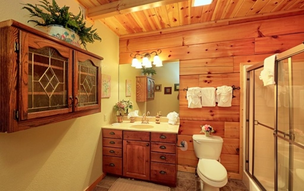 Photo of a Pigeon Forge Cabin named Majestic Forest - This is the thirty-ninth photo in the set.