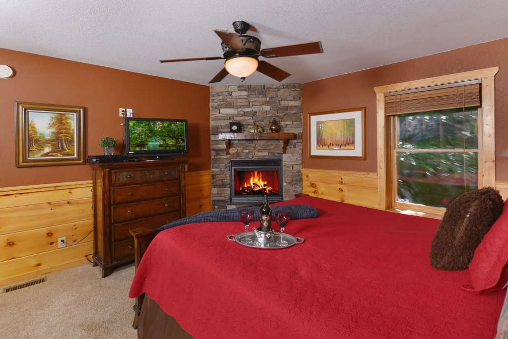 Photo of a Pigeon Forge Cabin named Majestic Forest - This is the twenty-first photo in the set.