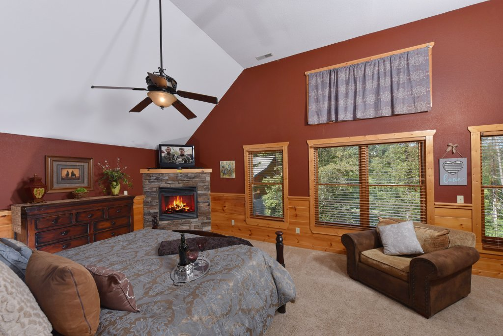 Photo of a Pigeon Forge Cabin named Majestic Forest - This is the twenty-ninth photo in the set.
