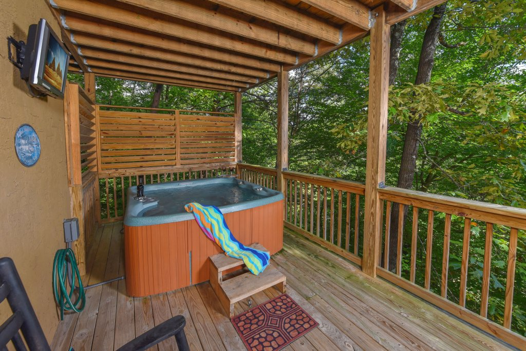 Photo of a Pigeon Forge Cabin named Majestic Forest - This is the nineteenth photo in the set.