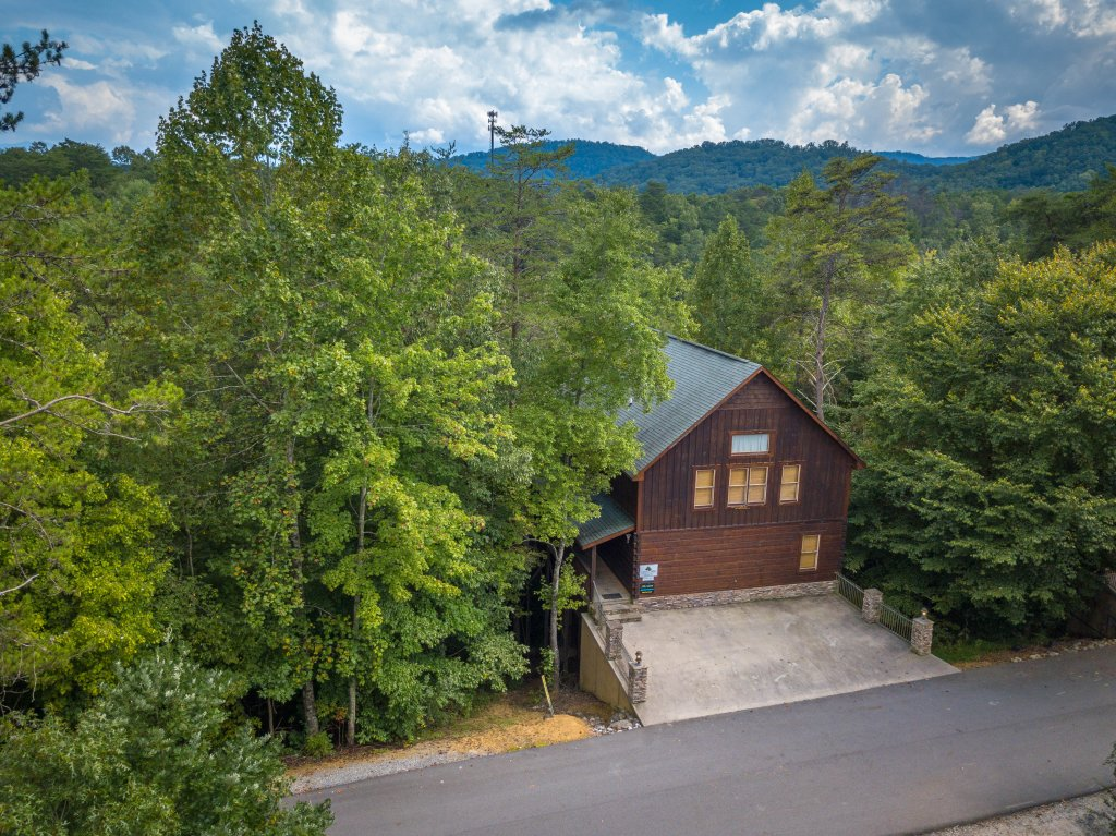 Photo of a Pigeon Forge Cabin named Majestic Forest - This is the forty-first photo in the set.