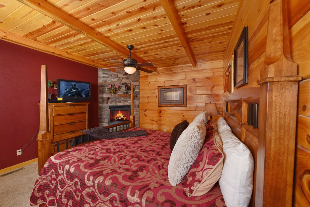 Photo of a Pigeon Forge Cabin named Majestic Forest - This is the thirty-eighth photo in the set.