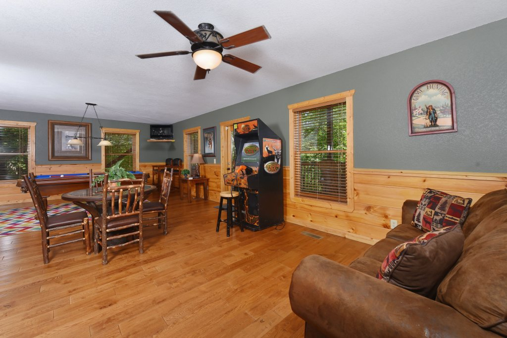 Photo of a Pigeon Forge Cabin named Majestic Forest - This is the forty-eighth photo in the set.