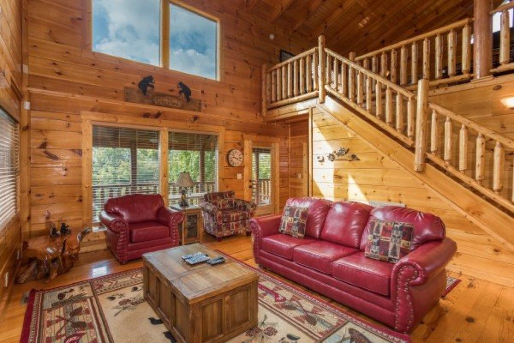 Photo of a Sevierville Cabin named Graceland - This is the third photo in the set.