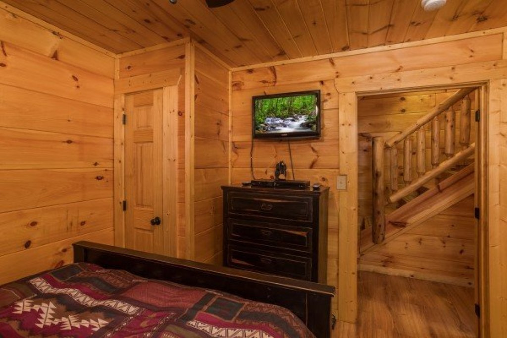 Photo of a Sevierville Cabin named Graceland - This is the twenty-sixth photo in the set.