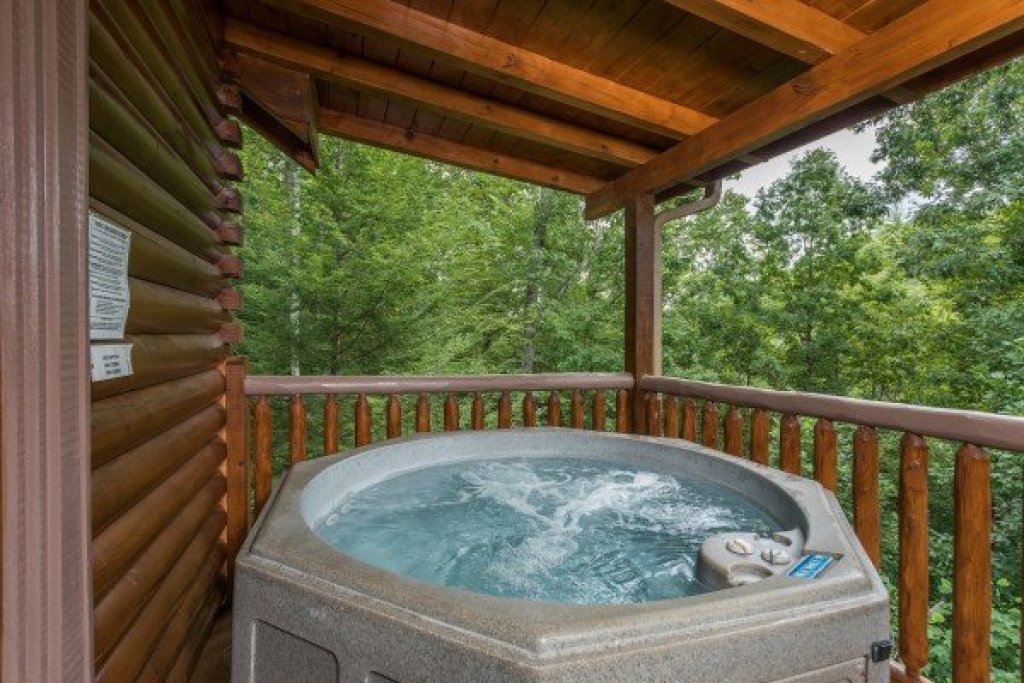 Photo of a Sevierville Cabin named Laid Back - This is the eleventh photo in the set.