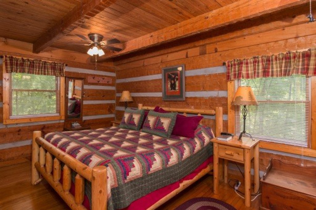 Photo of a Sevierville Cabin named Little Bear - This is the seventh photo in the set.