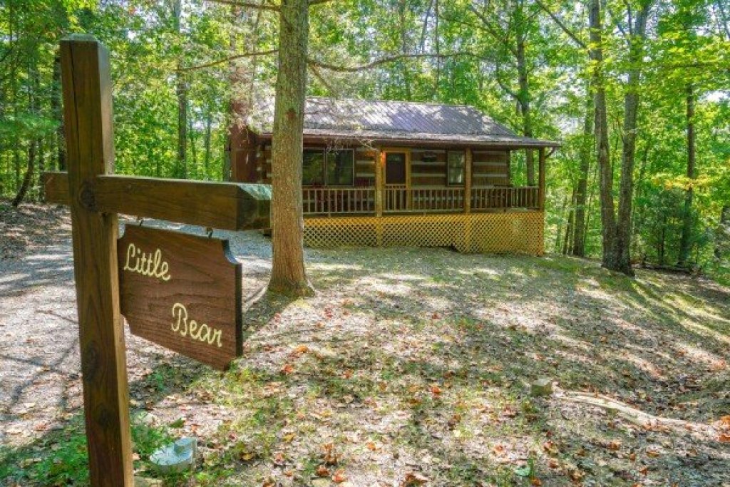Photo of a Sevierville Cabin named Little Bear - This is the sixteenth photo in the set.