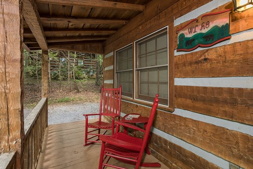 Photo of a Sevierville Cabin named Little Bear - This is the eighteenth photo in the set.