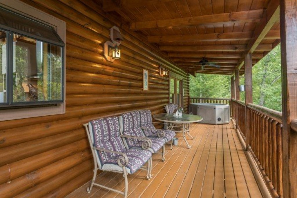 Photo of a Sevierville Cabin named Laid Back - This is the seventh photo in the set.
