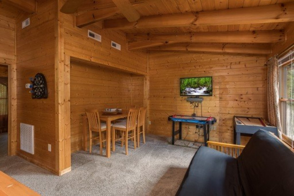 Photo of a Sevierville Cabin named Laid Back - This is the sixteenth photo in the set.