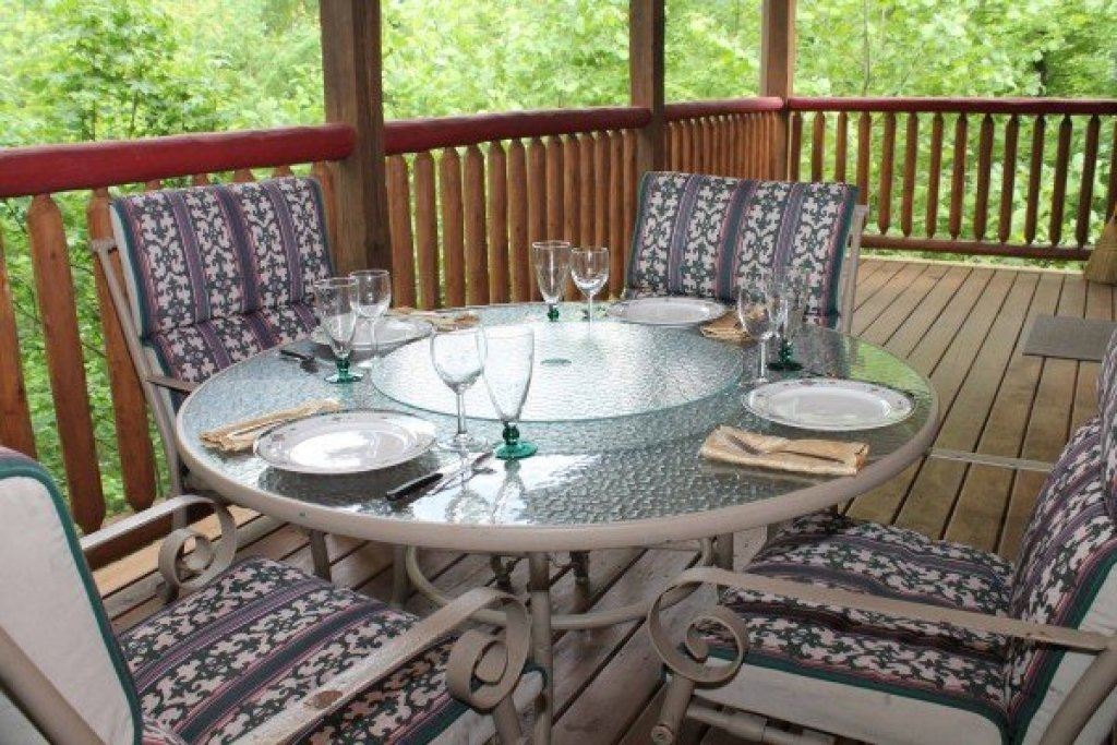 Photo of a Sevierville Cabin named Laid Back - This is the sixth photo in the set.
