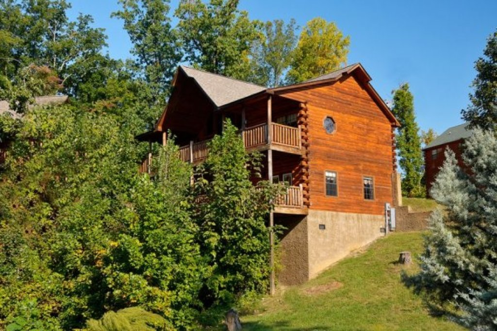 Photo of a Pigeon Forge Cabin named Kick Back & Relax! - This is the twenty-third photo in the set.