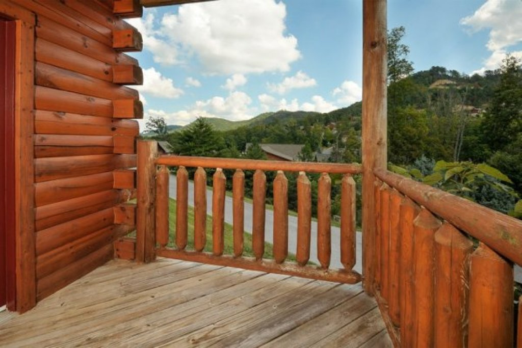 Photo of a Pigeon Forge Cabin named Kick Back & Relax! - This is the twenty-first photo in the set.