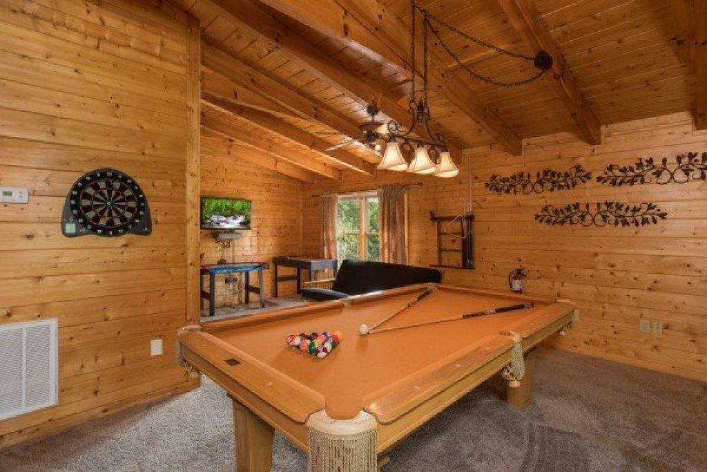 Photo of a Sevierville Cabin named Laid Back - This is the eighteenth photo in the set.
