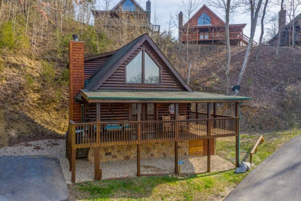 Photo of a Sevierville Cabin named Lakeview Point - This is the twenty-fourth photo in the set.