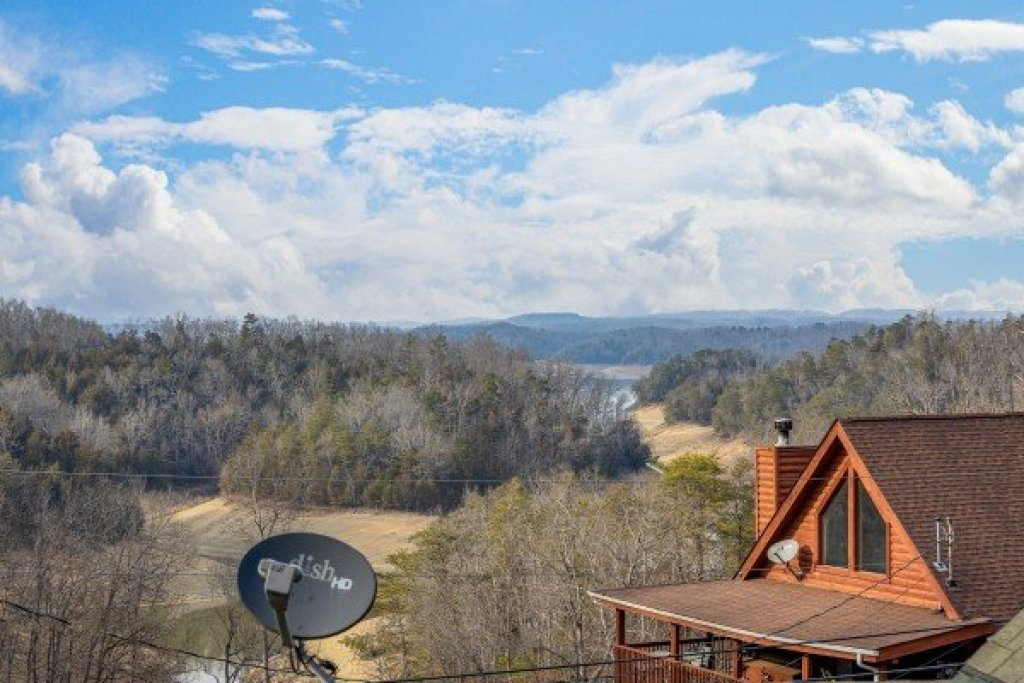 Photo of a Sevierville Cabin named Lakeview Point - This is the fifteenth photo in the set.