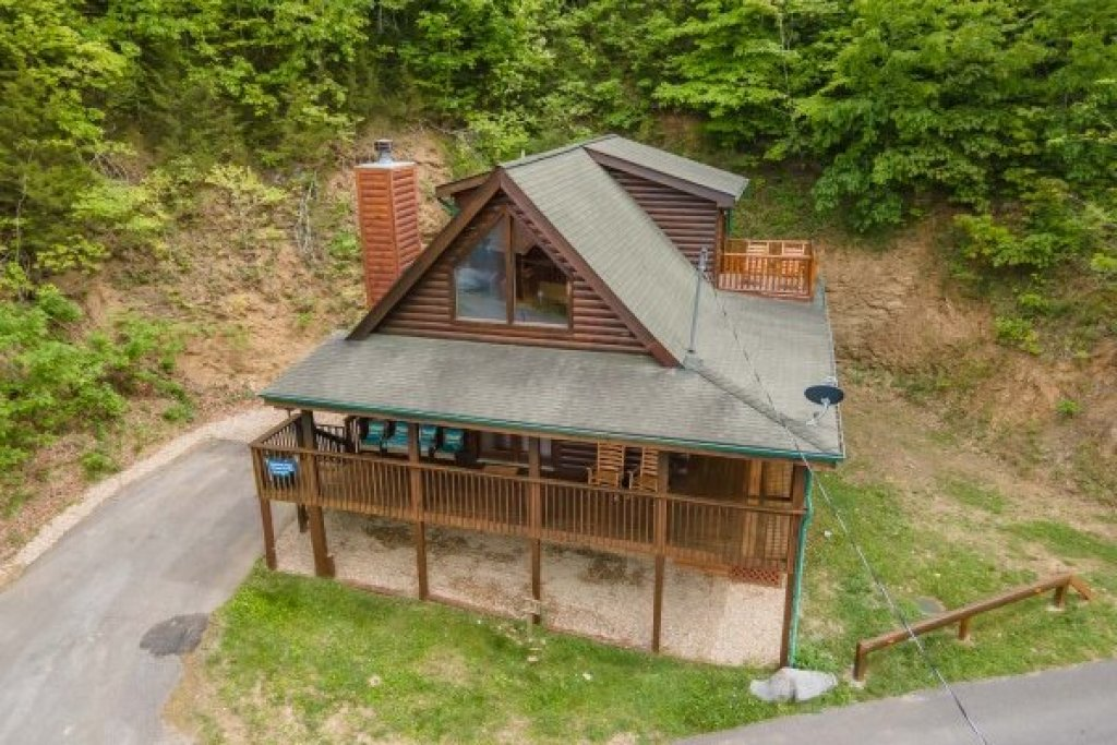Photo of a Sevierville Cabin named Lakeview Point - This is the twenty-third photo in the set.