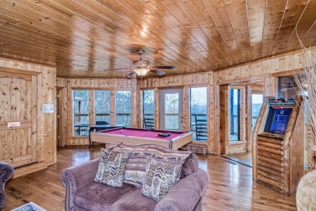 Photo of a Sevierville Cabin named A Stunning View - This is the twenty-ninth photo in the set.