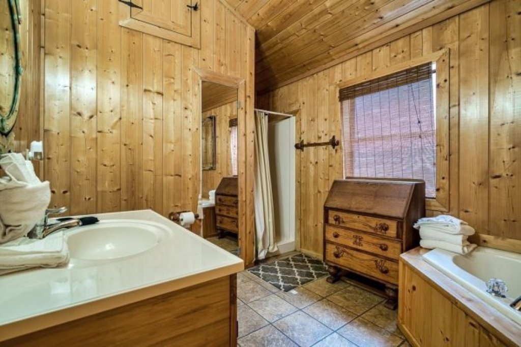 Photo of a Sevierville Cabin named A Stunning View - This is the fifteenth photo in the set.