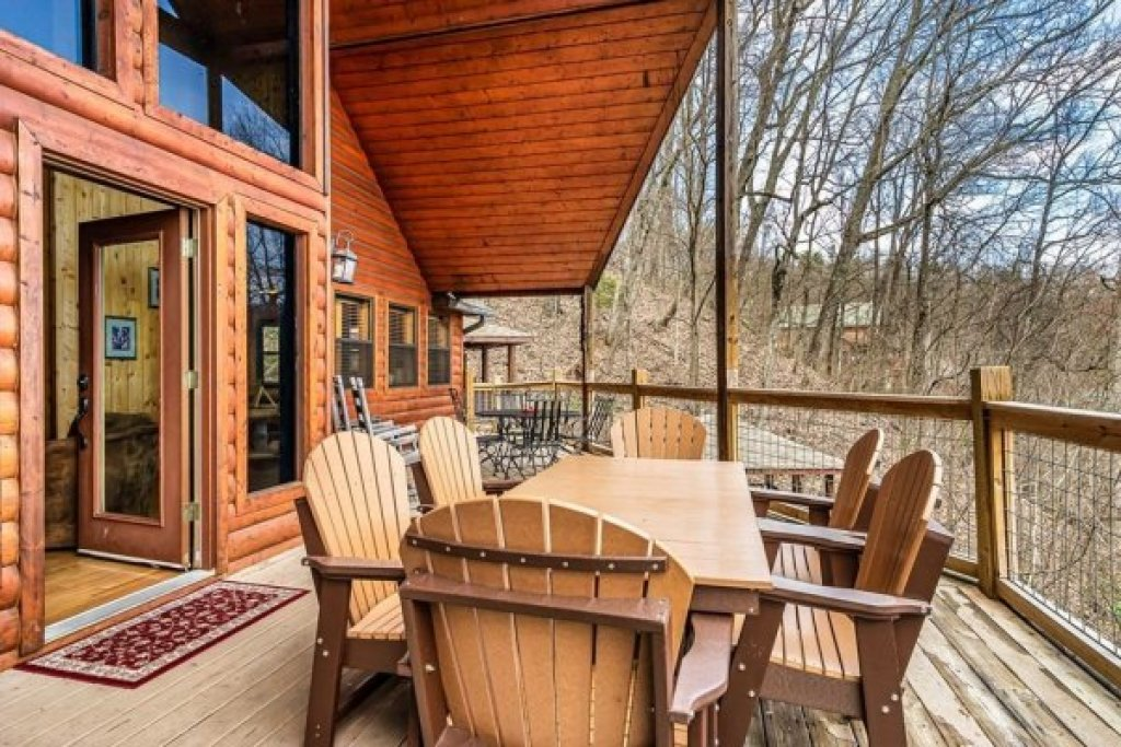 Photo of a Sevierville Cabin named A Stunning View - This is the twentieth photo in the set.