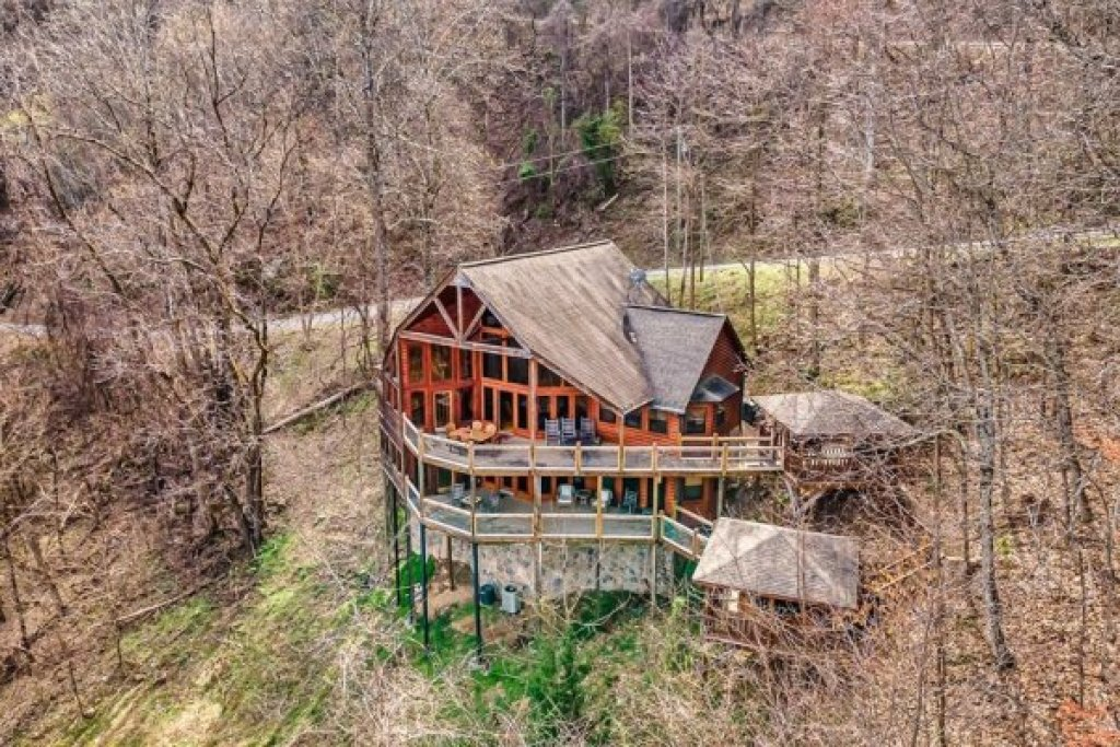 Photo of a Sevierville Cabin named A Stunning View - This is the third photo in the set.